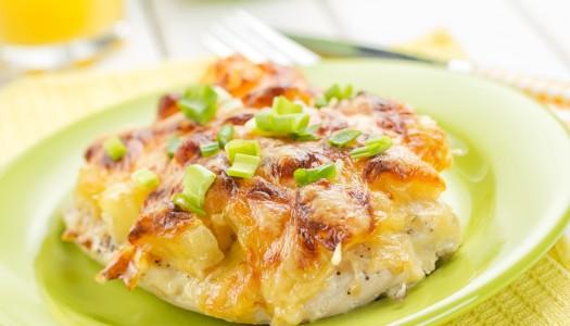 Рецепт мяса с ананасами и сыром