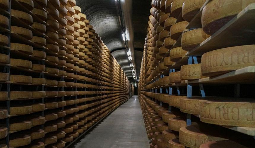 Приготовление сыра в пещерах Кальтабах