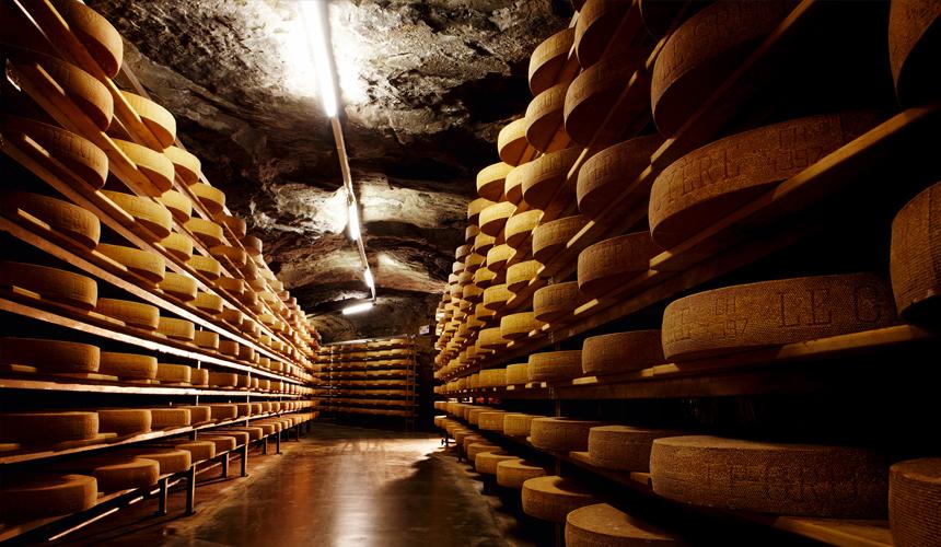 Сыр в пещерах