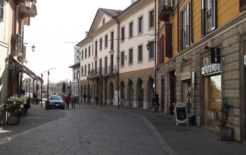 Улицы Саронно