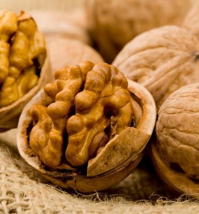 3 простых салата с грецкими орехами