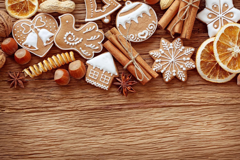 Как украсить елку сладкими украшениями