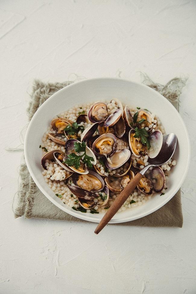 Фрегола с моллюсками