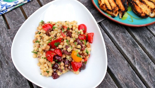 Фрегола с оливками Таджаска и помидорами Черри