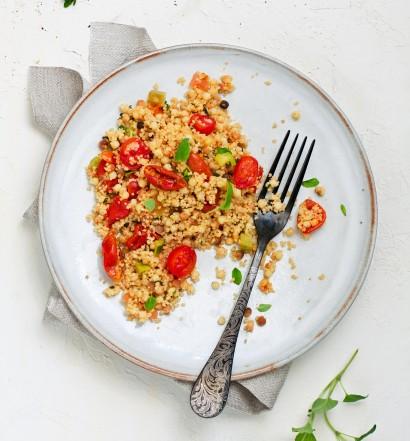 Салат из фреголы, кускуса и вяленых томатов