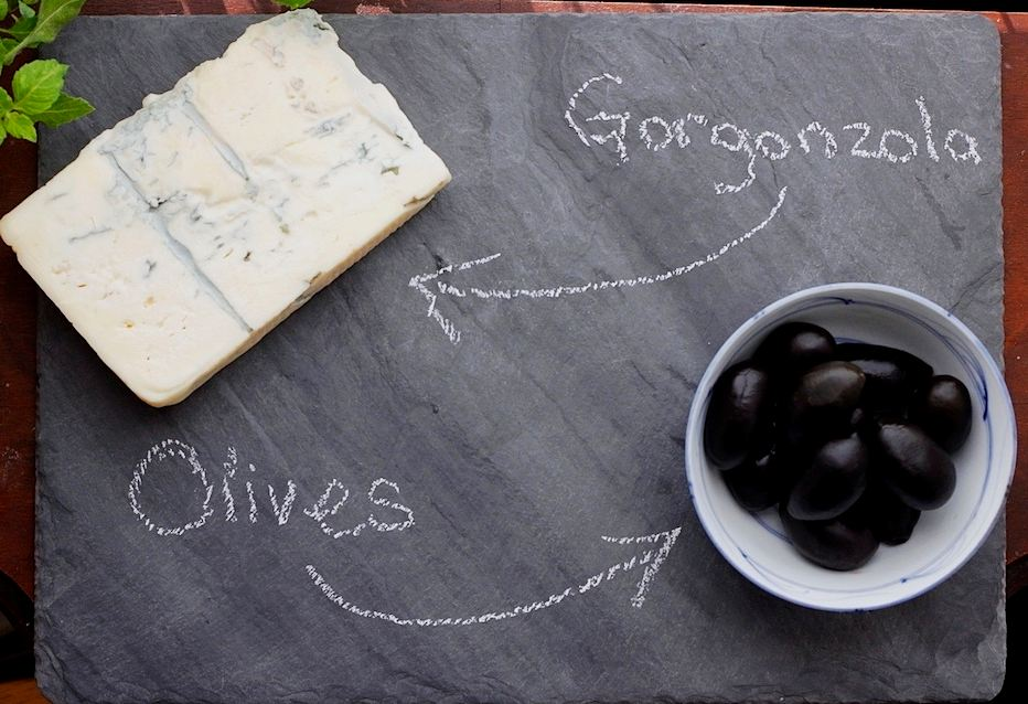 горгонзола и оливки