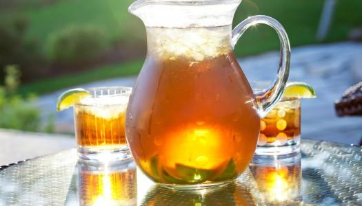 Холодный фруктовый чайный коктейль