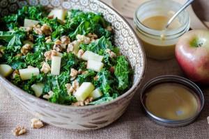 салат с капустой и медово-соевой заправкой
