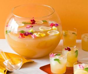 Тропический пунш-коктейль