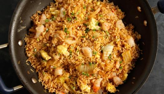 Великолепный рецепт креветок с жареным рисом