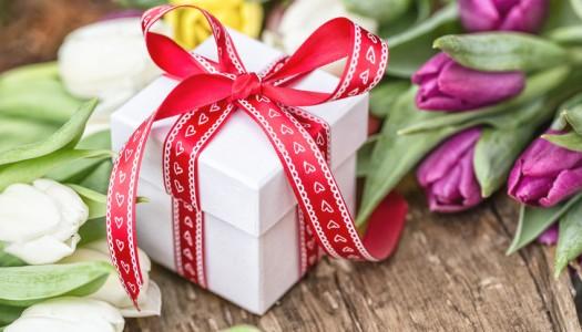 8 марта: топ-5 самых ожидаемых подарков