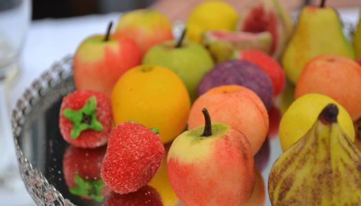 Из чего готовят марципан, как определить его качество?