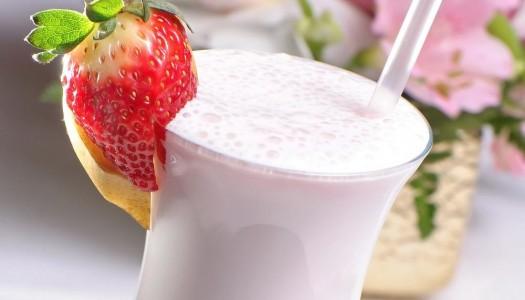 Готовим витаминные молочные коктейли