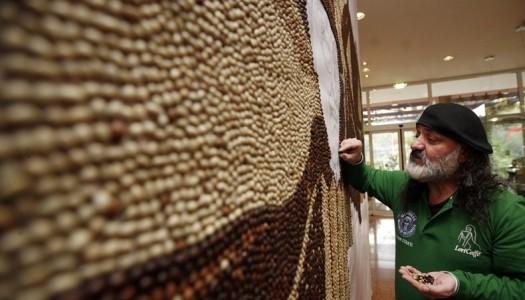 Мозаика и рисунки из кофейных зерен