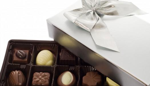 Дарите шоколад учителям, от сладкого они добреют