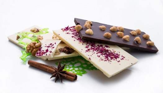 """Шоколад со """"странными"""" начинками"""